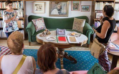 Visita la casa familiar de Carmen Martín Gaite.
