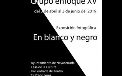 """Grupo Enfoque XV: """"En blanco y negro""""."""
