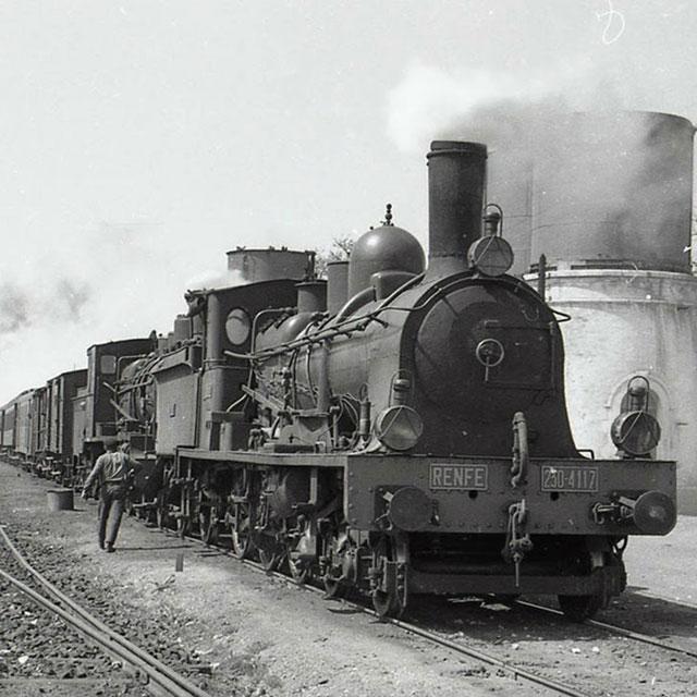 """""""El ferrocarril: Símbolo de la industrialización"""""""