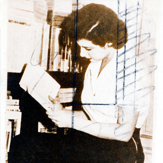 """Exposición: """"Escrito por mujeres. Rastros del mundo literario femenino en español del siglo XIX"""""""