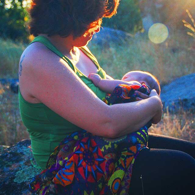 Grupo de acompañamiento emocional para mamás con bebés.